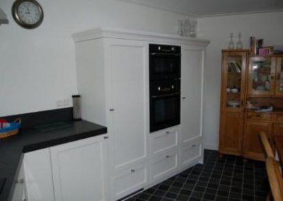 Keuken met oud hollands wit gespoten eikenhouten fronten